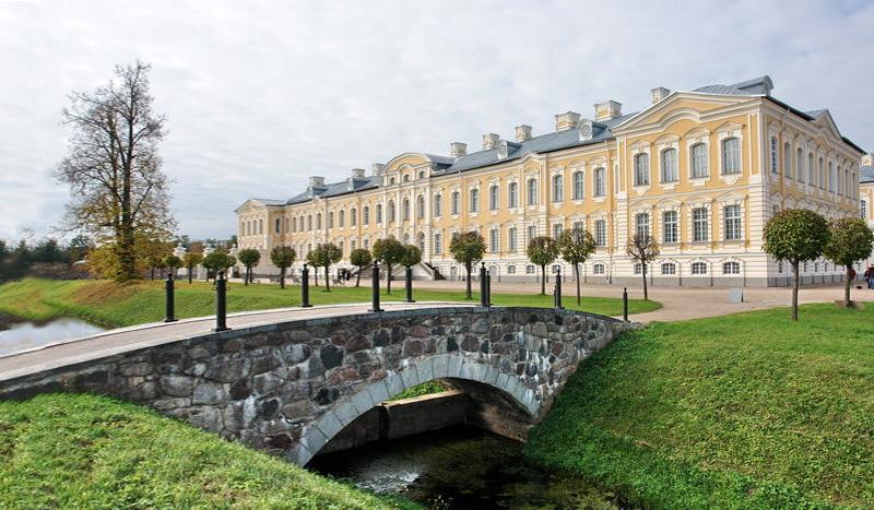Латвия: 2 евро с символом Земгалии