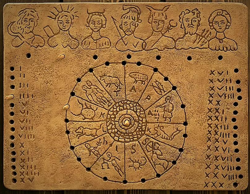 Серебряные 3 рубля «Лошадь» из серии «Лунный календарь»
