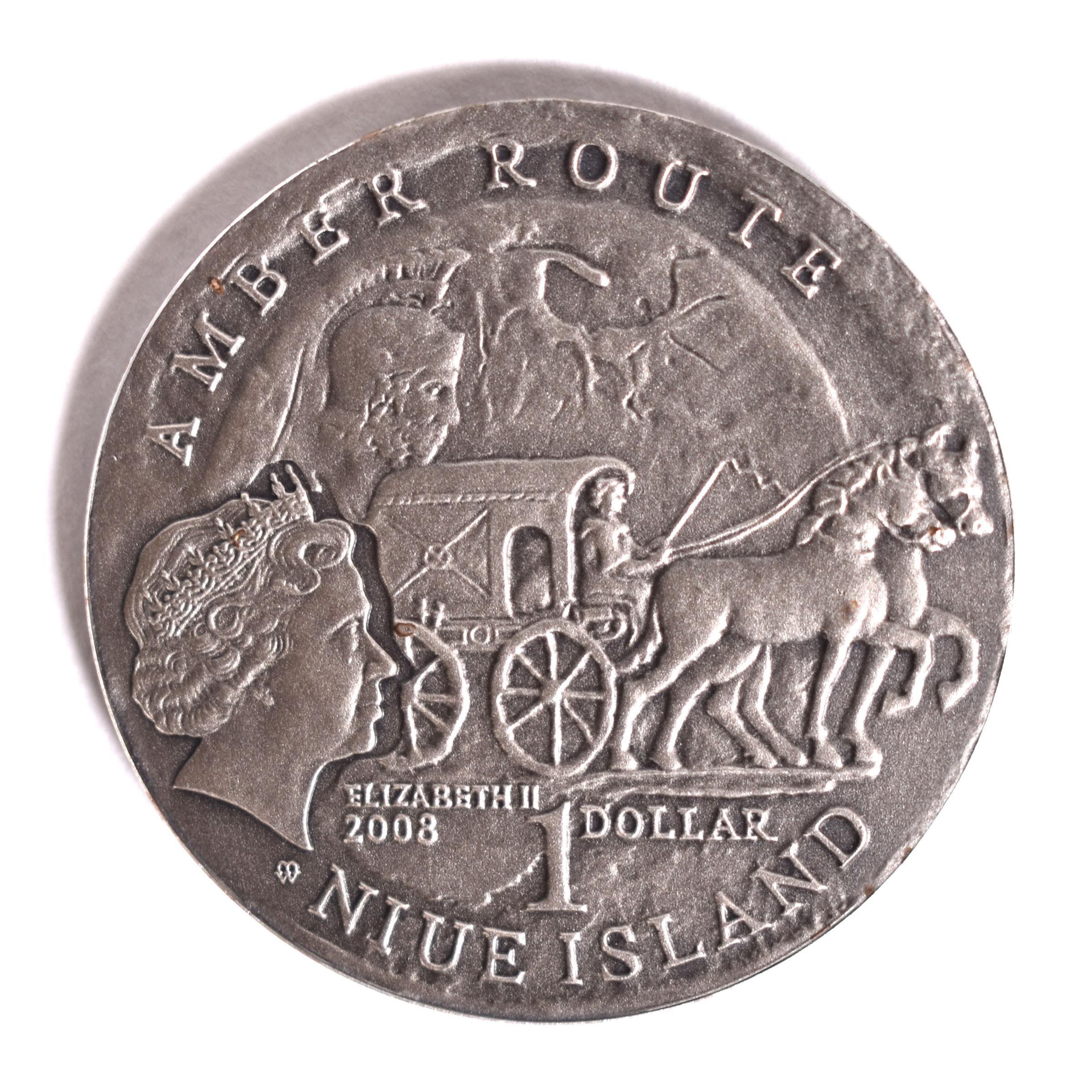 """""""Янтарный"""" доллар в честь Калининграда"""